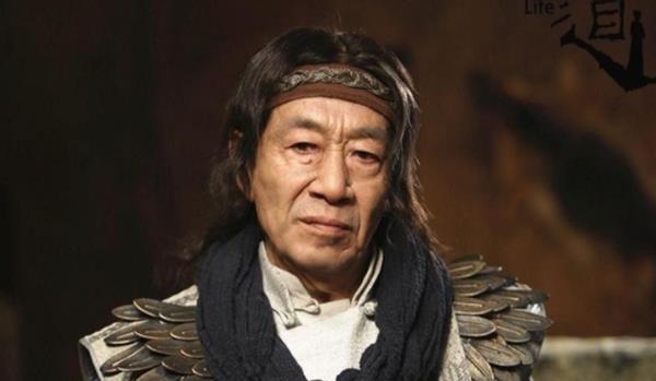 老戏骨王奎荣:娶小自己37岁妻子晚年得女,75岁忙着赚奶粉钱