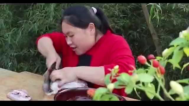 胖妹买2斤驴肉做火烧8个勉强吃饱不愧是吃货