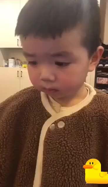 坨坨是一个除了很难哄睡其他都很乖的孩子宝宝育儿萌宝萌娃