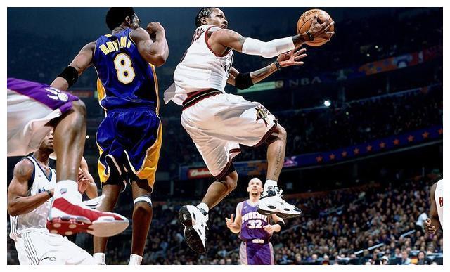 NBA球星的招牌动作:乔丹科比美如画后仰跳投,而扣篮是他的招牌