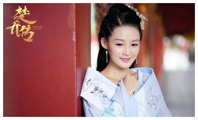 李沁新剧《锦绣南歌》今晚上线,看到搭档的男主,网友:熬夜追
