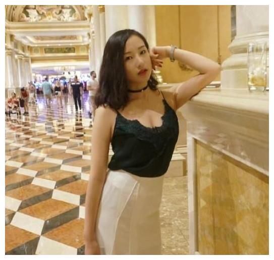体操第一美女李红杨:如今仍单身,弟弟却比她还生气脱单!