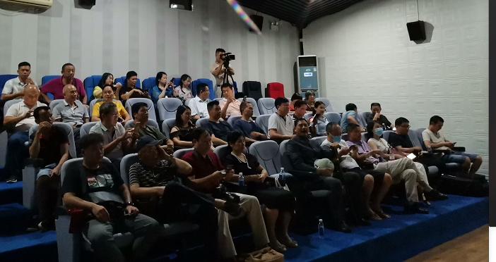 孙中山系列电影举行观影活动 电影历史感厚重