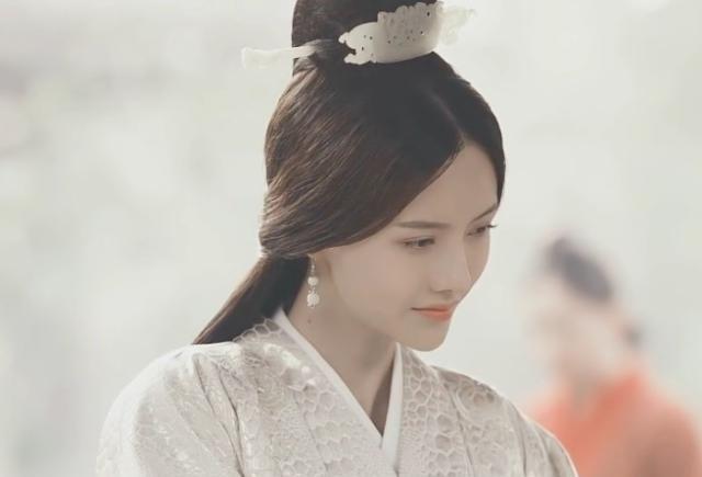 张芷溪:中国内地影视女演员,毕业于西南民族大学英文专业!