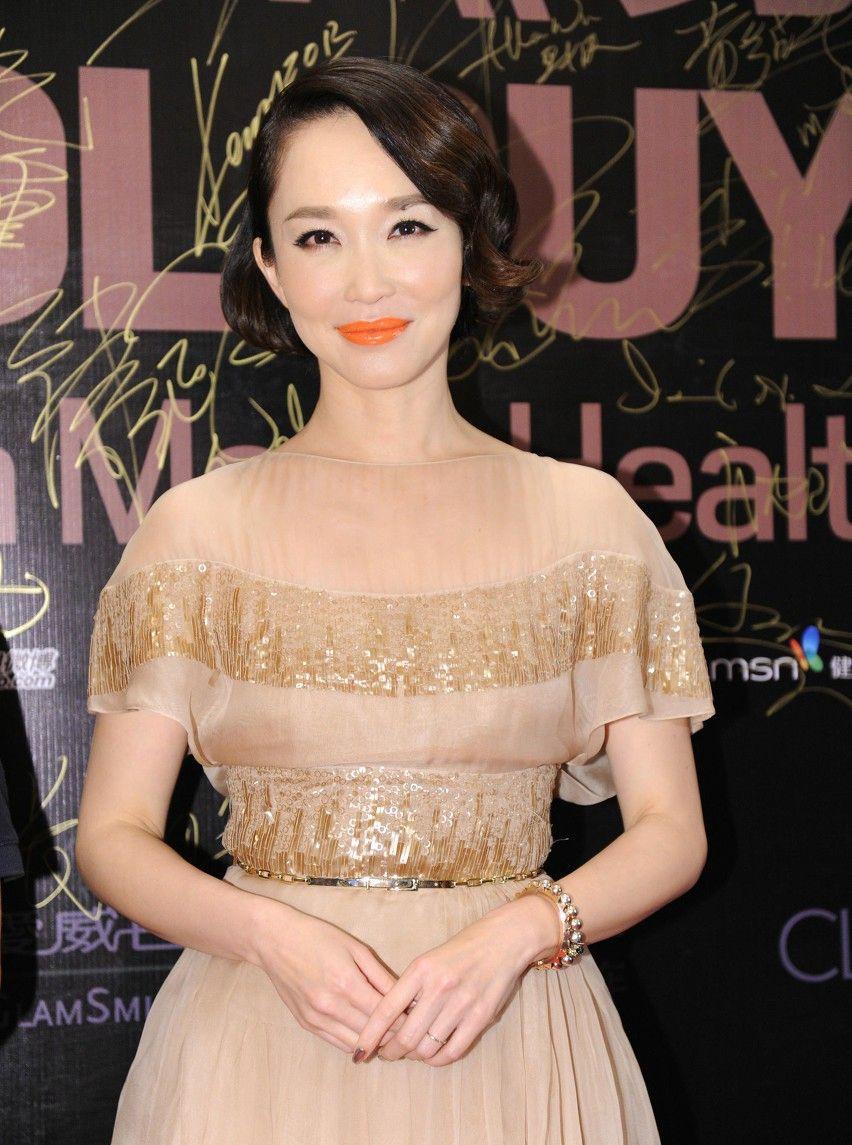 范文芳,新加坡演员,如今依旧美丽,身材保持得很好,很有女人味