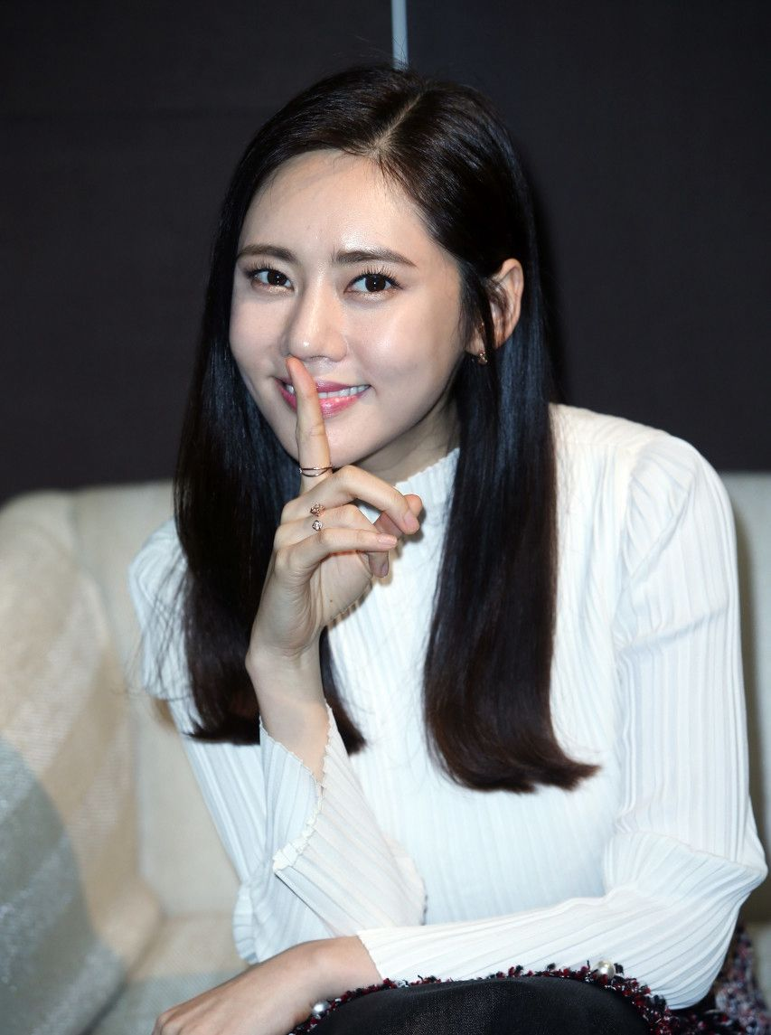 秋瓷炫,韩国女星,气质出众,嫁中国老公于晓光,幸福羡煞旁人!
