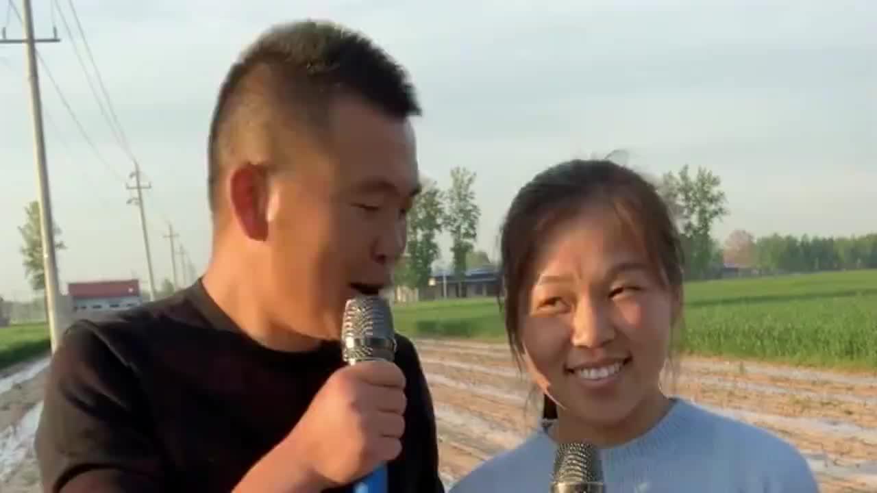 农村夫妻合唱今生只为遇见你两人唱的都很好听堪比原唱