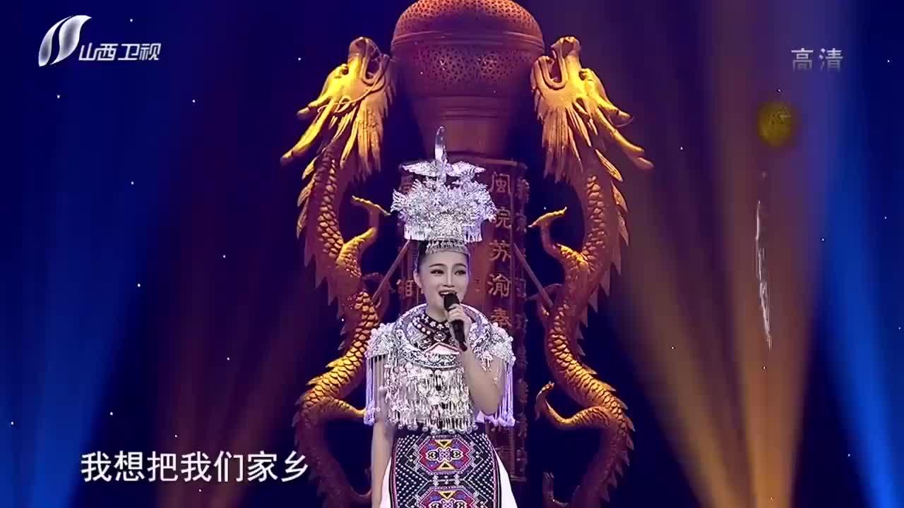学生妹子献唱《湘西拦门酒》,堪比原唱,嗓音美极了歌从黄河来