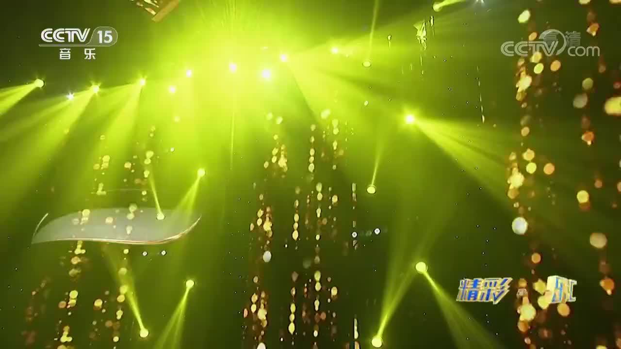 曹芙嘉演唱《往事随风》,让人听了为之动容,产生强烈的共鸣!