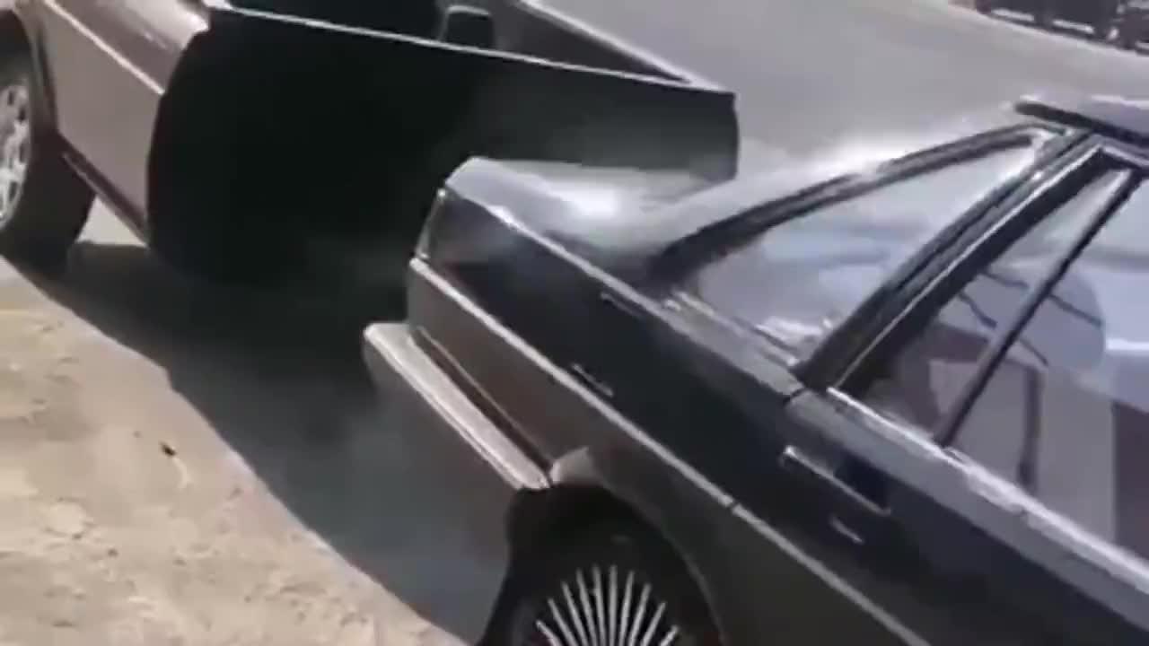 视频:高手把桑塔纳改装成了这样,还能上路行驶吗?