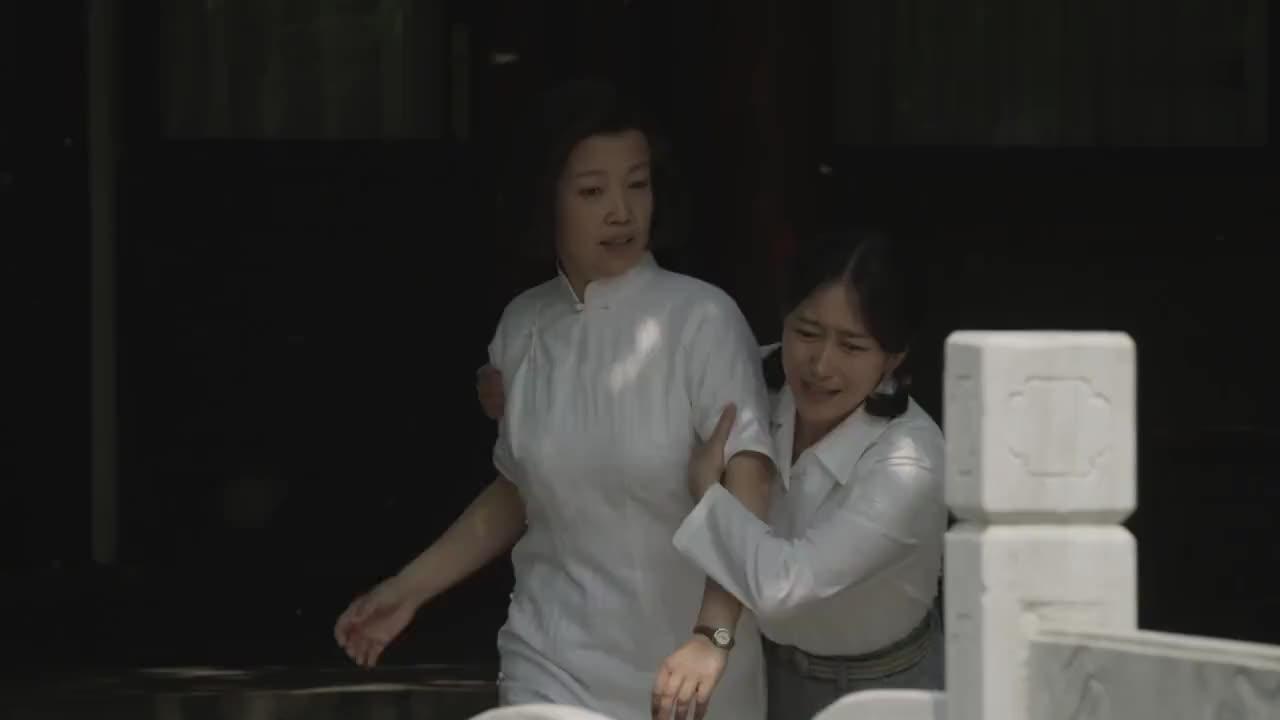 海棠依旧:周总理和邓大姐,历经几十年,直到今日才补上结婚照