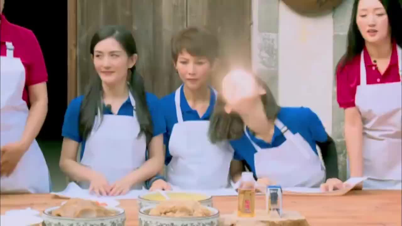 谢娜回忆与张杰恋爱过程,这也太甜蜜了,朱茵一脸羡慕!