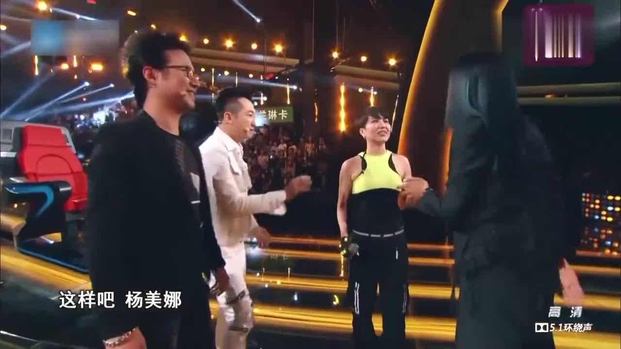 中国新歌声,台上大丰收,台下双丰收,收获自己美美的爱情