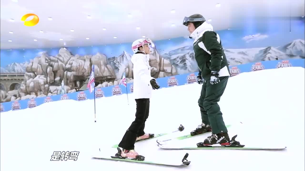 钱枫滑雪担惊受怕,谁料女教练一句暖心鼓励,冬天都不再冷了!