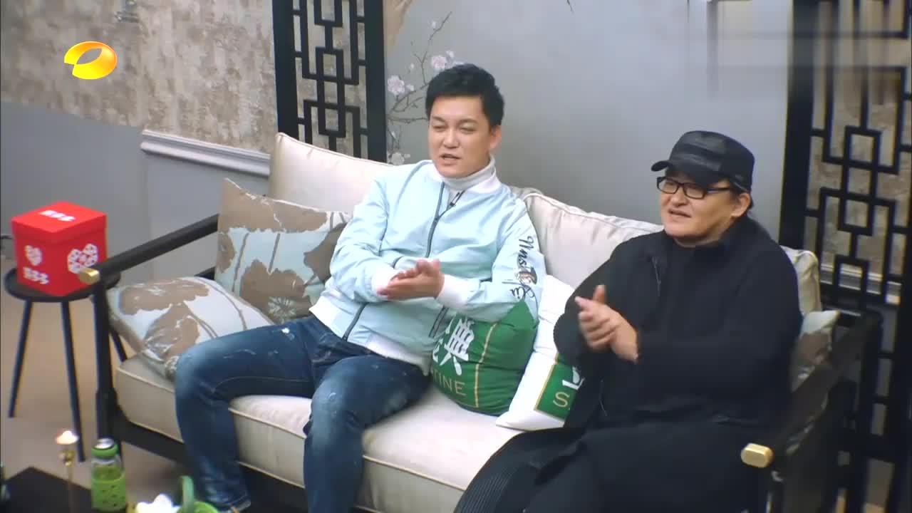 吴青峰是块宝藏!首次担任音乐串讲人手抖不已,狂呼:这太可怕了