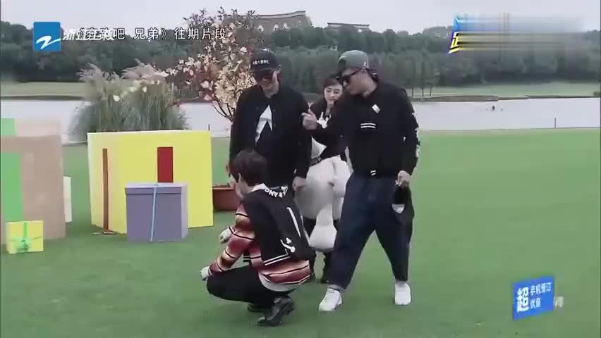 奔跑吧 兄弟:呆萌鹿晗的历届呆萌女队友,都太可爱了!