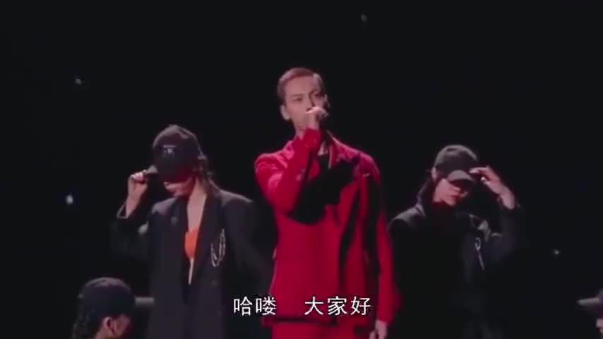 陈伟霆李易峰杜江郑恺同唱《夜空中最亮的星》,开口超苏,帅呆了