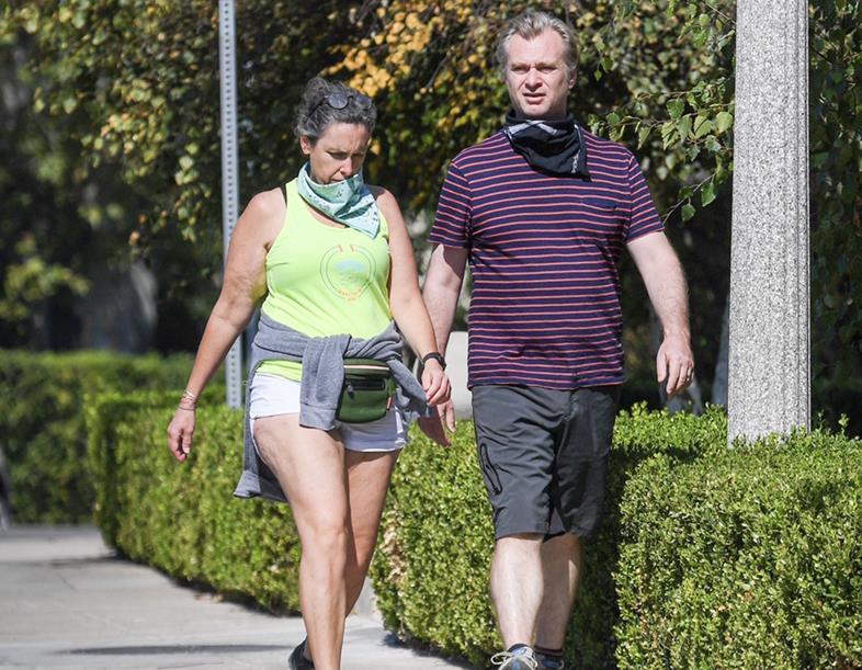 克里斯托弗·诺兰(ChristopherNolan)和妻子洛杉矶新街拍