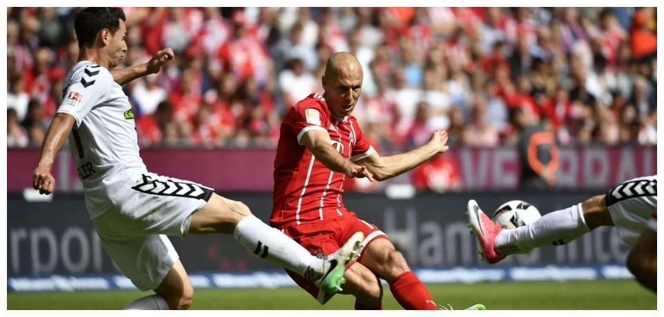 拜仁以6比0赢了贝尔格莱德,而暂代主教练一职的弗里克也收获了他在拜仁的四连胜