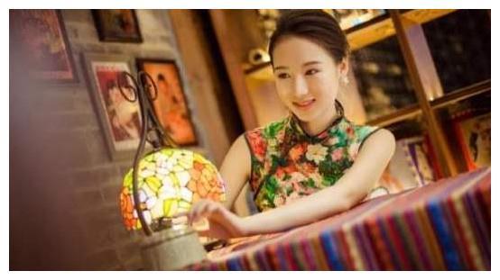 体操第一美女李红杨:如今仍单身,弟弟却比她还着急干单!
