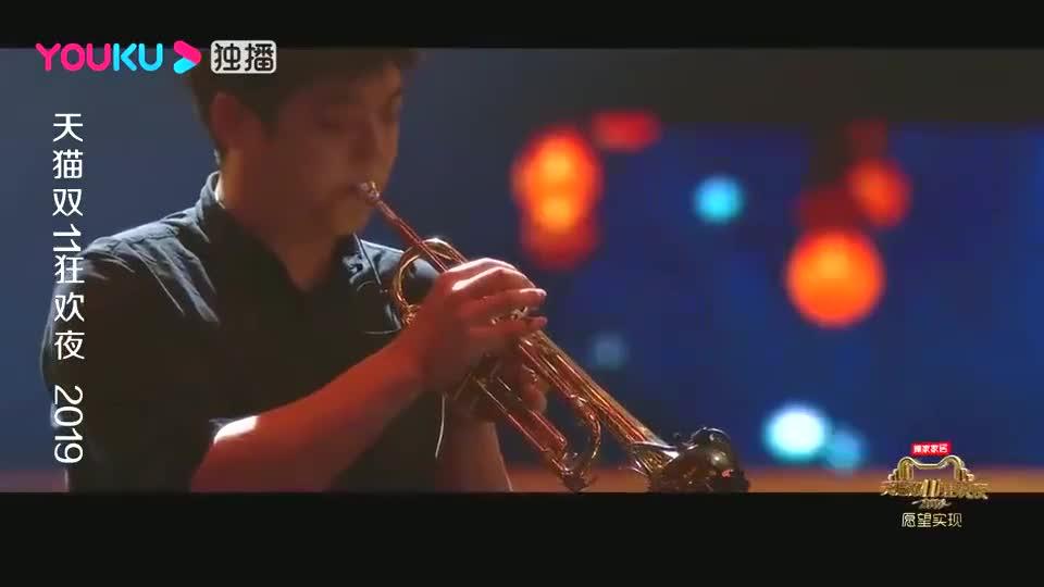 李宇春郎朗联袂演绎,郎朗带着老婆弹钢琴,三人配合太默契了!