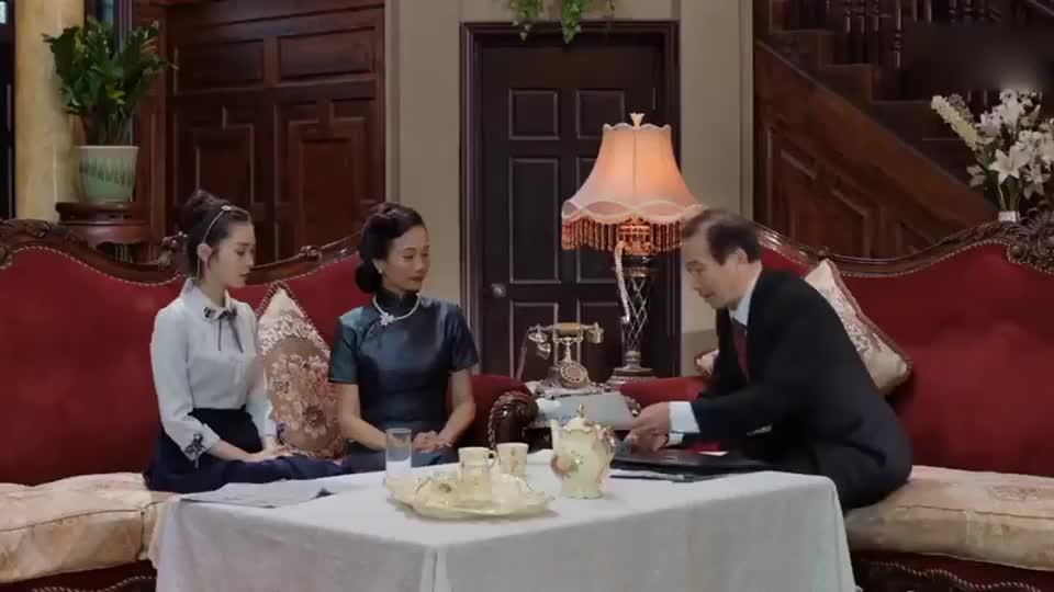 吕先生被扣上了汉奸的帽子,人刚刚去世,就有人上门来讨债!