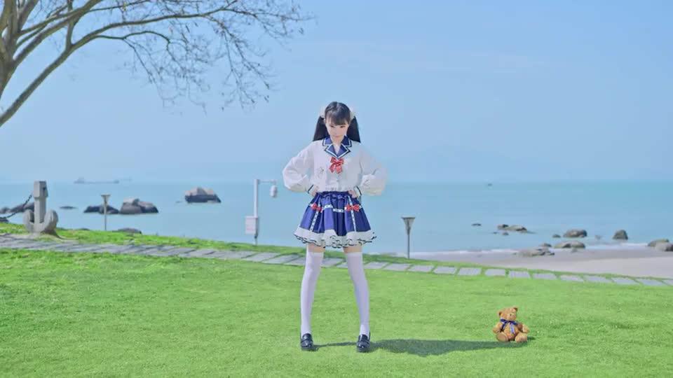 沙滩上的水手服喵!booo!