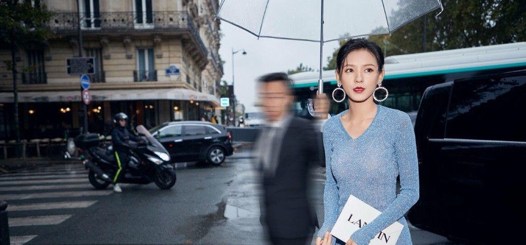 张予曦,身穿宝蓝色长裙,展现东方女性的优雅与大气!