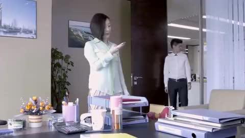 空巢姥爷:女子想得到设计方案的修改意见,自己就能够打败俞玥