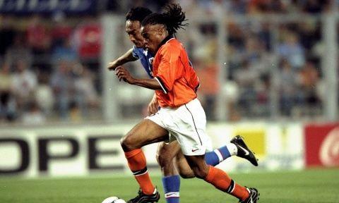 1998年世界杯小组赛博格坎普等刮起橙色风暴,荷兰5比0狂胜韩国