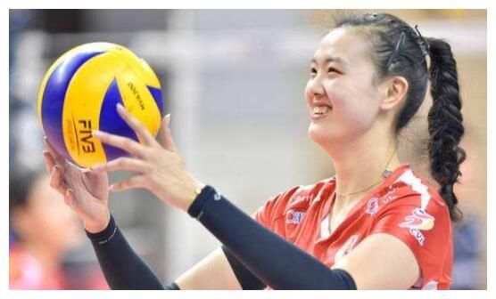 张常宁:她蒙受的压力不比朱婷少,明年她将是女排打击奥运的关键