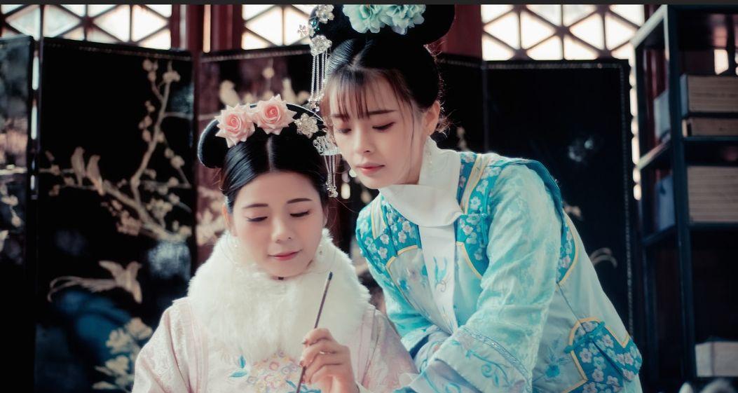 """清朝妃子脖子上的白领巾,除了好看之外,竟还可以""""方便""""皇上!"""