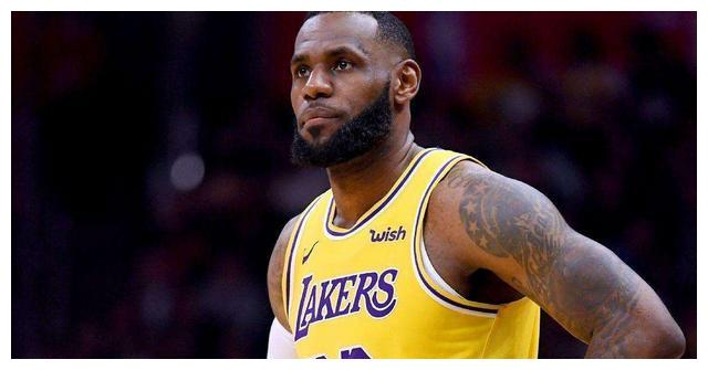 """NBA球星们的""""黑照"""":詹姆斯挖鼻屎,罗德曼的""""奇葩妆容"""""""
