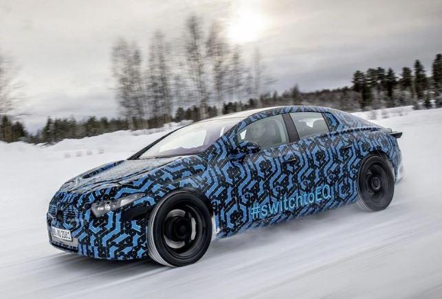 奔驰EQS最新路试谍照,将推4款车型,续航700公里,或2021年亮相