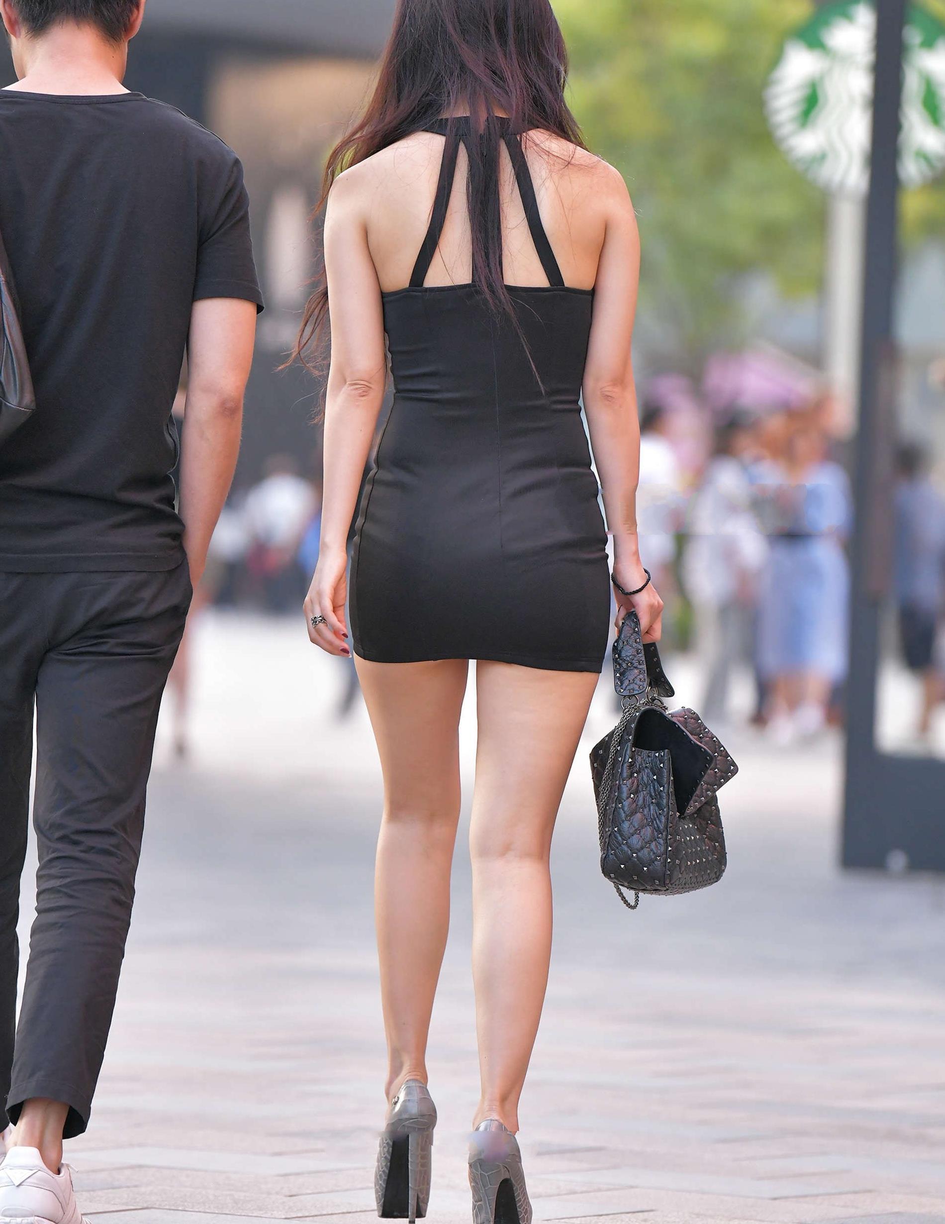 黑色修身款连衣裙,精致时尚,优雅大方