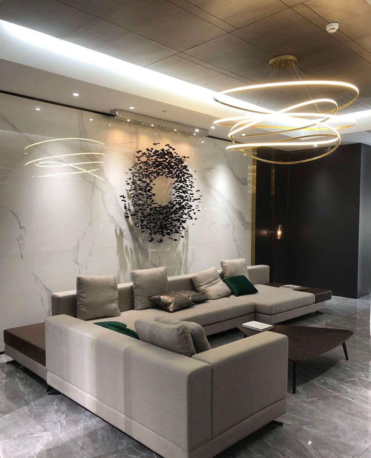 现代客餐厅的流行做法,瓷砖和软装颜色搭配