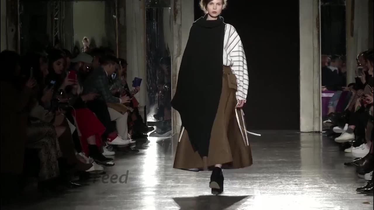 2020秋冬米兰时装周 气质超模演绎高冷风走秀 第八部分