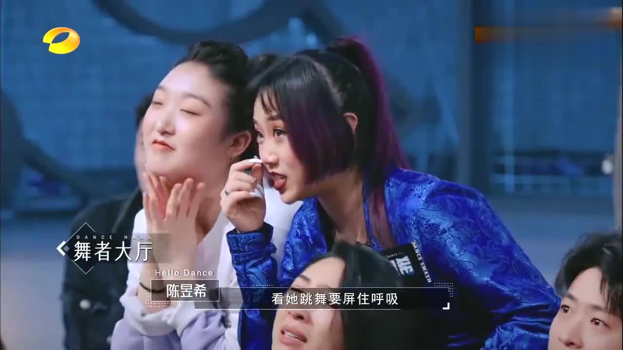 谢欣现代舞俘获何炅沈伟,张艺兴:从手指到脚尖都在传递故事!