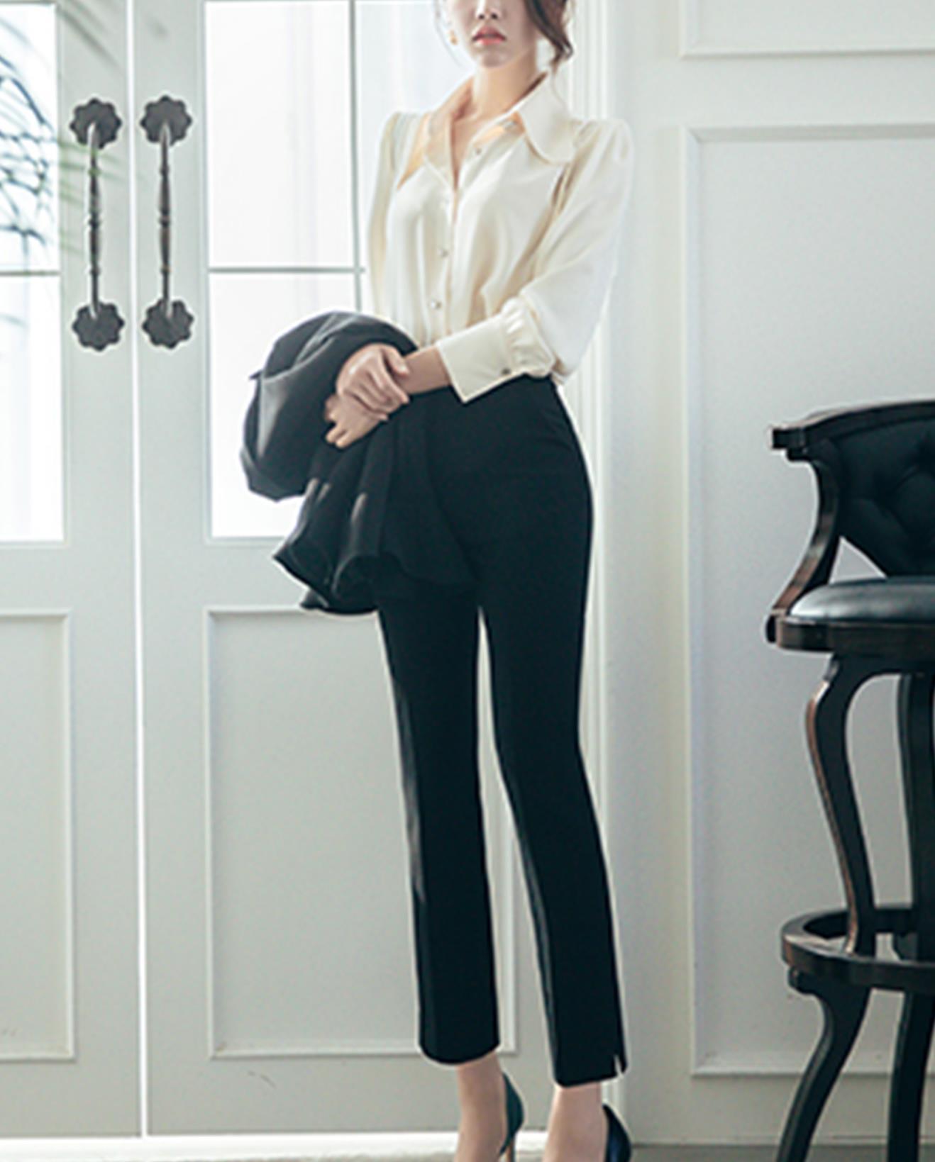 苗条女孩,穿上修身的长裤,给人一米八的视觉效果