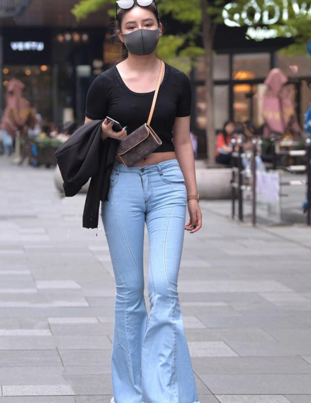 牛仔裤各种搭配各种美,夏天的清凉时尚就是这么简单