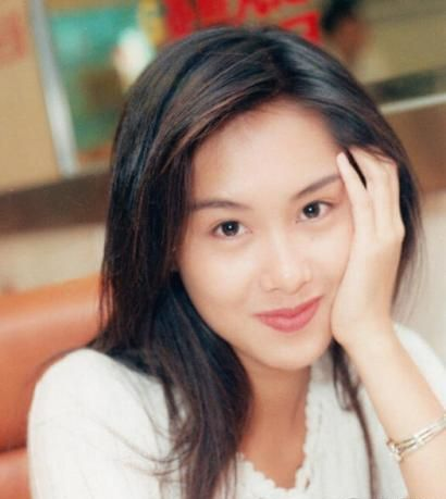 当年没美颜时代的香港经典女神之一朱茵眨眼