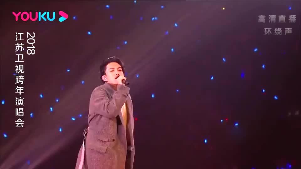 林宥嘉演唱《自然醒》,一开口台下疯狂尖叫,不火都说不过去!