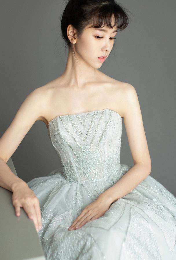 陈都灵的刘海造型有点丑,失去了原有的灵性
