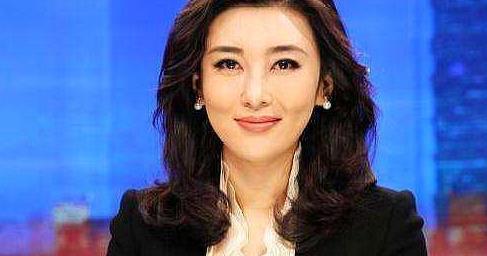 她是央视最美主持,因太丰满被警告多次,今嫁富商生活幸福