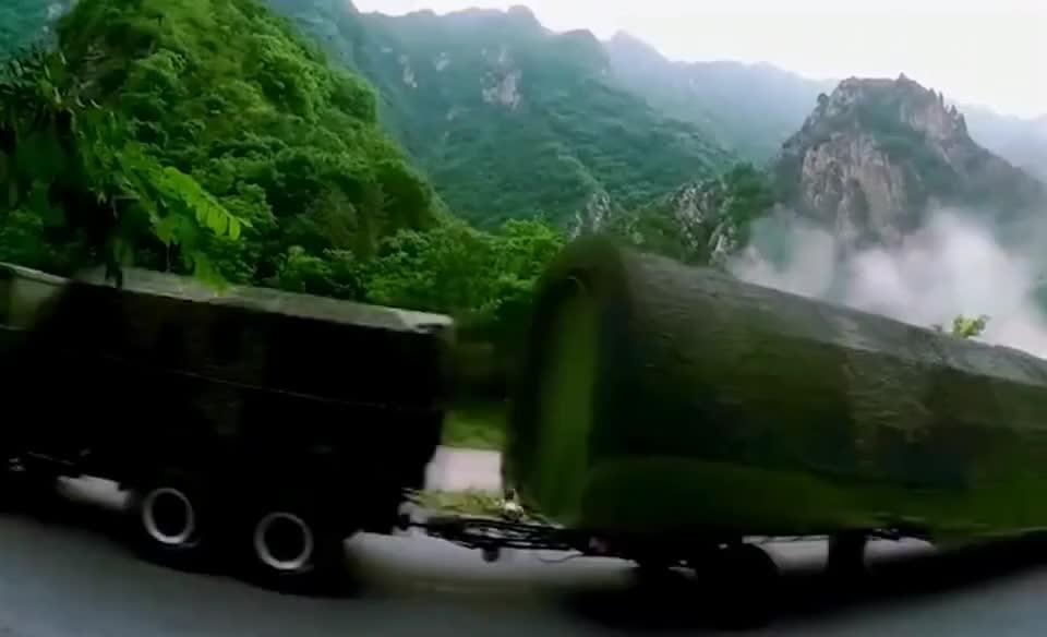 导弹的发射瞬间威力简直太猛了!