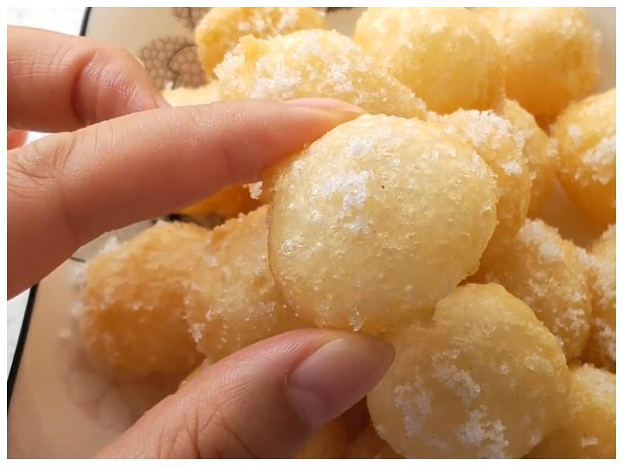 经历了冰火两重天的糯米丸子,滋味到底如何呢?