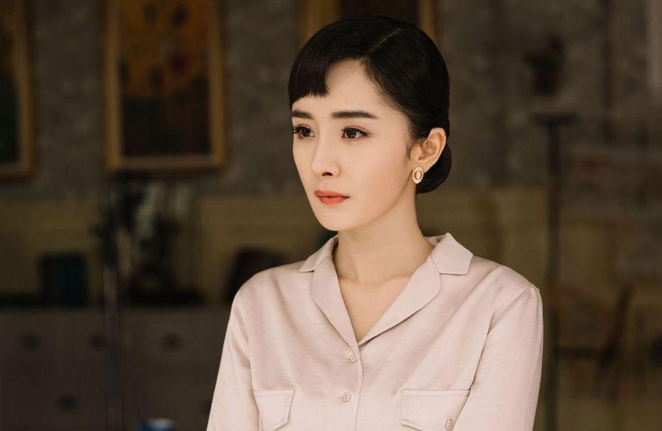 《筑梦情缘》中的杨幂真的好美呀,一套套漂亮的民国装很时尚啊