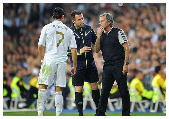 期望穆帅执教葡萄牙国家队吗?青涩C罗答复:他很好但咱们不需要