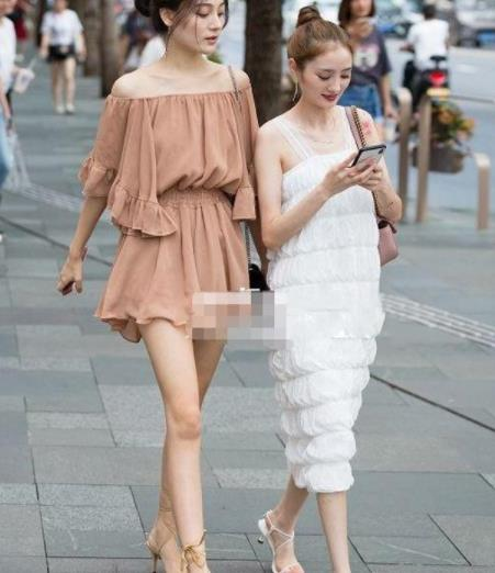 街拍美图:精致时尚的都市小姐姐,搭配连衣裙,俏美感十足!