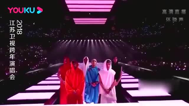 李宇春唱跳《西门少年》,全场都炸了,论场控能力我就服她!